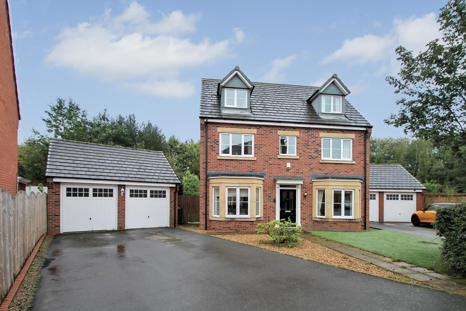 Orchid Close, Huntington, Cannock